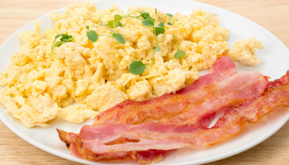 Ricetta Uova Strapazzate Con Pancetta.Ricetta Bacon Egg Le Ricette Di Buonissimo