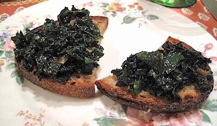 Crostini di cavolo nero
