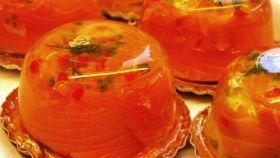 Uova in gelatina con salmone affumicato