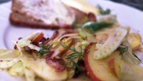 Insalata di sedano con mela e pancetta