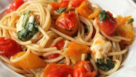 La pasta alla checca, da Roma: pochi ingredienti, massimo gusto