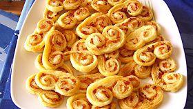 Sfogliatine al parmigiano e prosciutto crudo, il finger food
