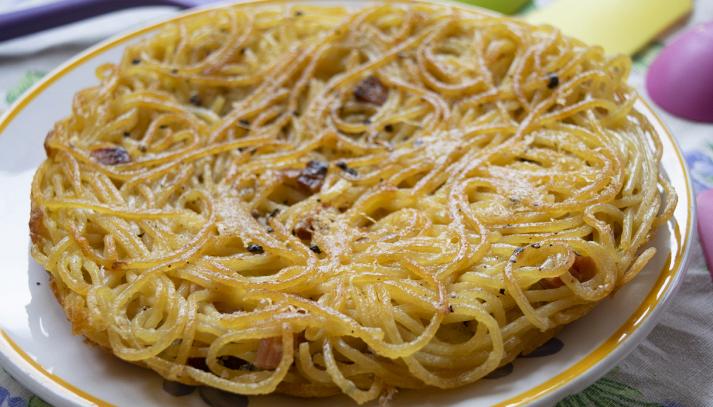 Spaghettini con uova al forno