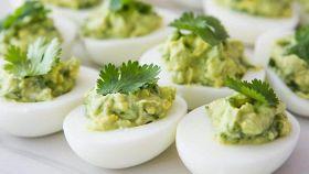 Uova sode in salsa verde, innovazione (con gusto) a tavola