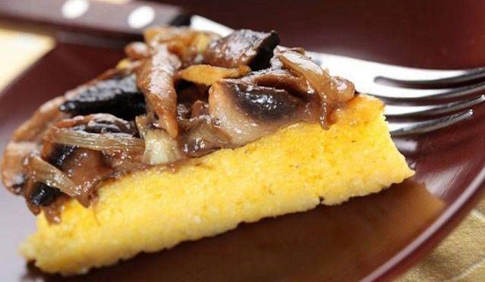 Crostini polenta e funghi