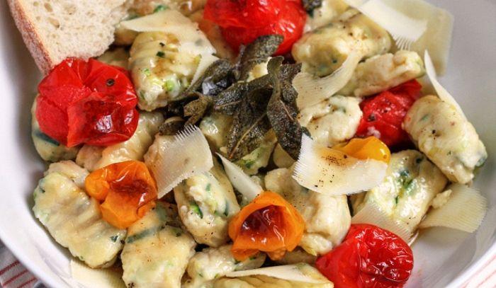 Gnocchi di zucchine al pomodoro fresco
