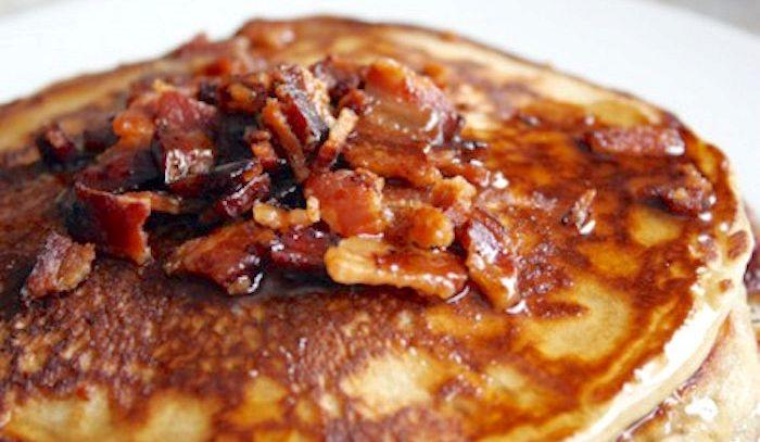 Pancakes al bacon