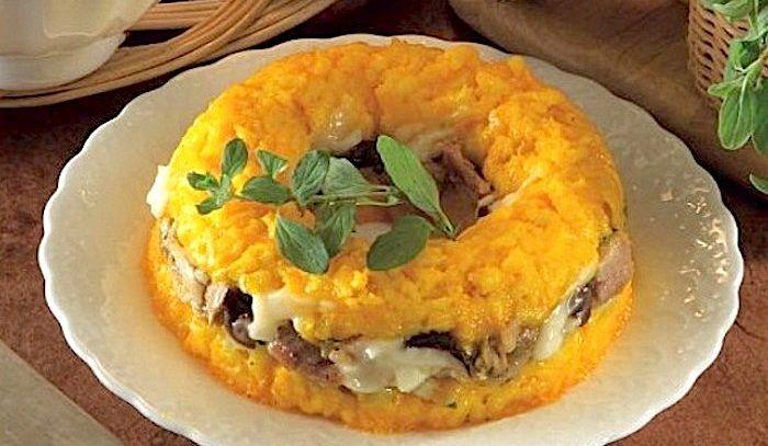 Anello di riso con pollo e mozzarella