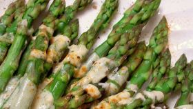 Asparagi all'ungherese