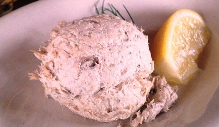 Mousse di triglie con salsa al finocchietto