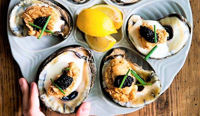 Ostriche al caviale in salsa allo Champagne