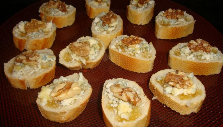 Tartine alla crema di Roquefort