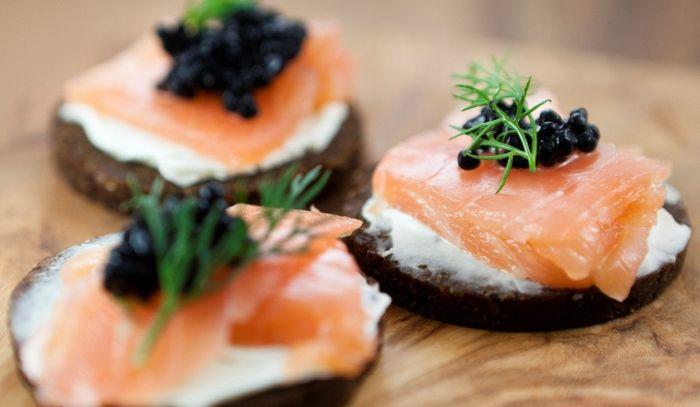 Tartine caviale e salmone