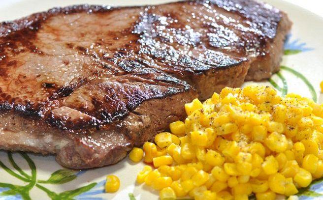 Bistecca di maiale con mais