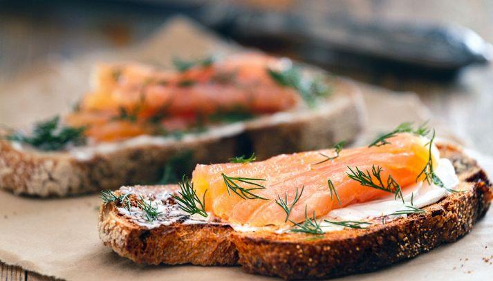 Crostoni al salmone