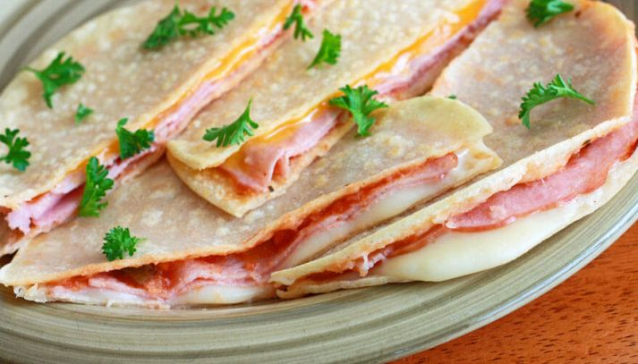Piadine con gorgonzola e prosciutto