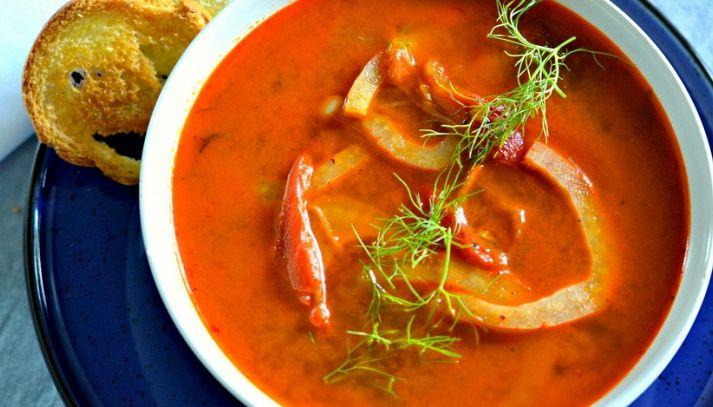 Zuppa di pomodori e finocchi