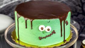Una torta mostruosa ma buona, al gusto di formaggio e cioccolato