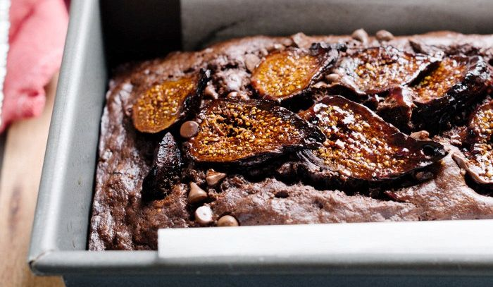 Pane con fichi e cioccolato