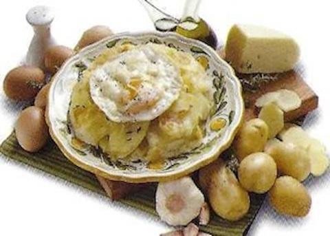 Patate al forno con formaggio e uova