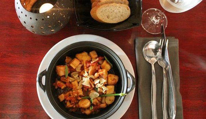 Polpo in salsa di pomodoro piccante