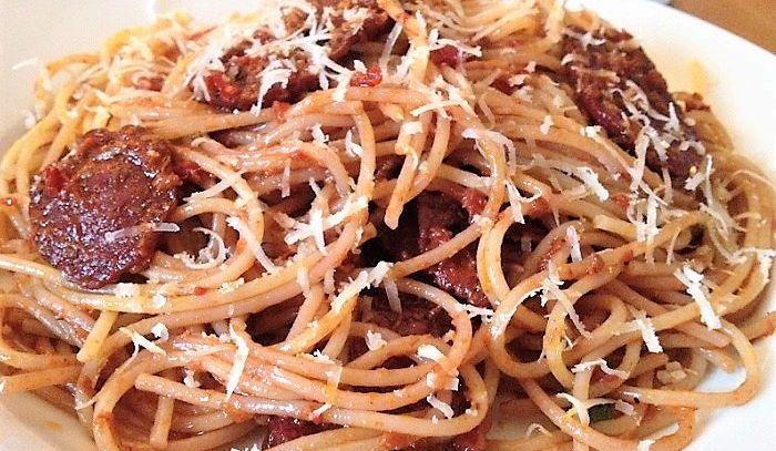 Spaghetti al salame