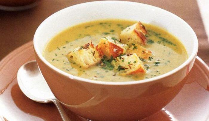 Zuppa di patate e di cipolle