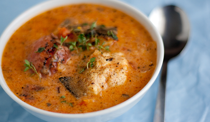 Zuppa di pesce misto e zafferano