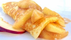 Crèpe alle mele, un gusto delicato con il frutto più amato