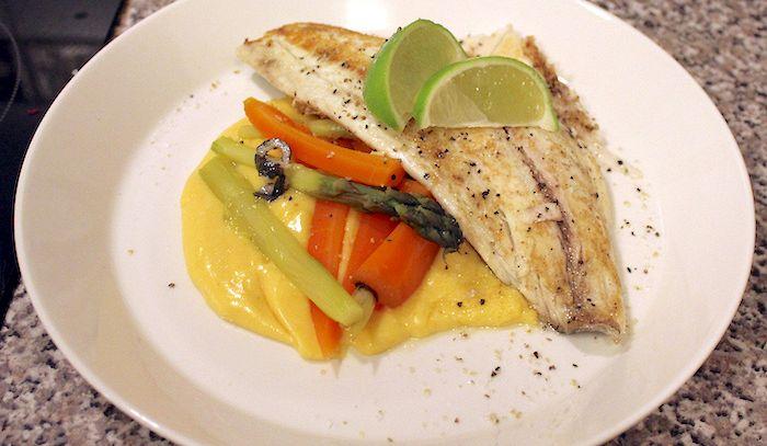 Filetti di pesce persico con salsa - Microonde