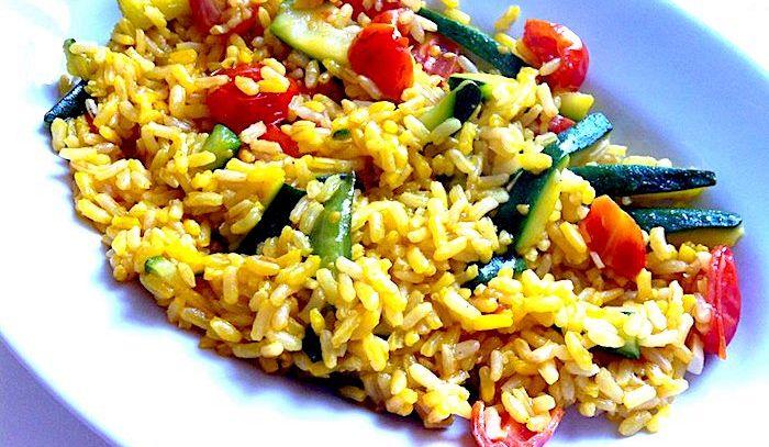 Riso integrale al curry con peperoni