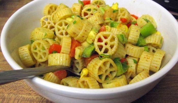 Ruote in insalata con peperoni