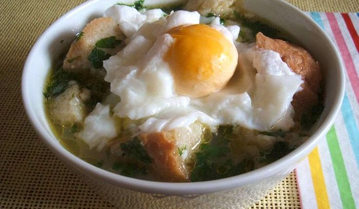 Zuppa di pane e uova