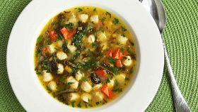 Zuppa di pollo e scarola