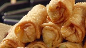 Involtini primavera e pollo thai con maionese