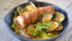 Molluschi con brodo insaporito