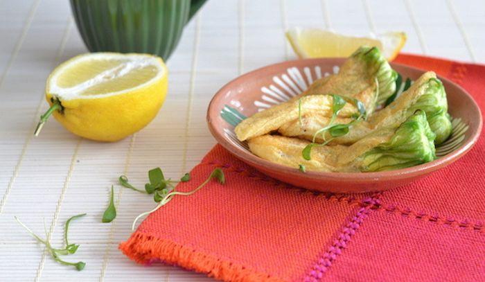 Pollo al limone con fiori di zucchina