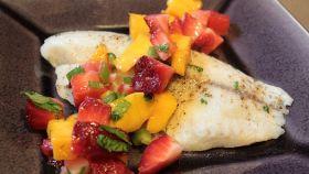 Tilapia in salsa di frutta