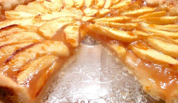 Torta di mele alle albicocche