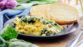 Uova strapazzate con spinaci
