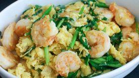 Zuppa di cavolo cinese e gamberetti
