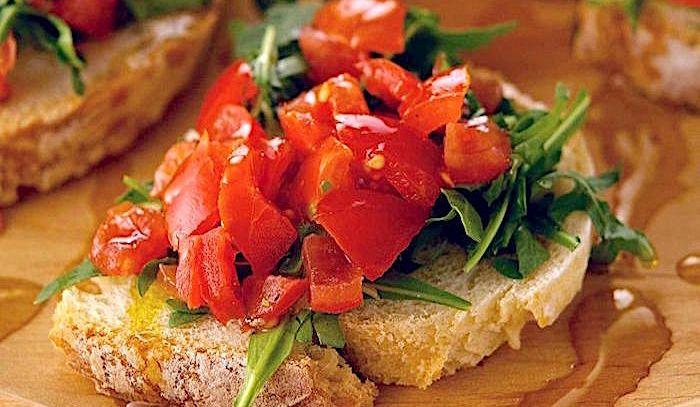 Crostoni con pomodorini
