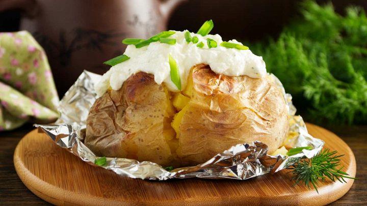 Patate al cartoccio, semplici da preparare e sfiziose in tavola