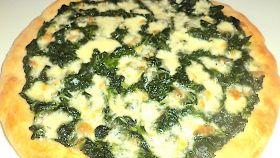 Pizza bianca con catalogna e primo sale