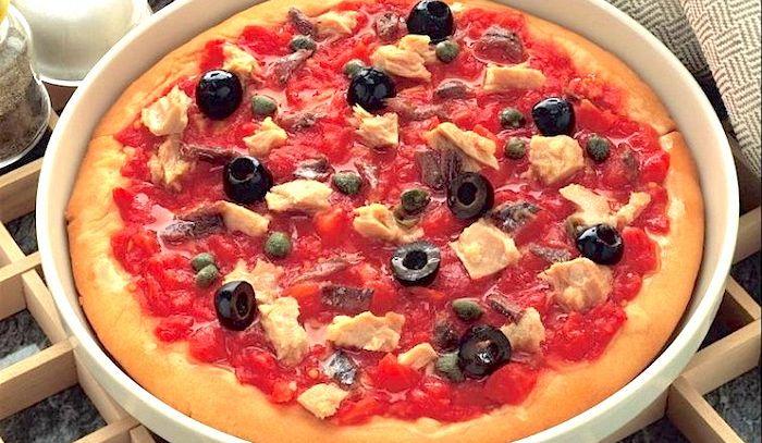 Pizza con il tonno alla calabrese