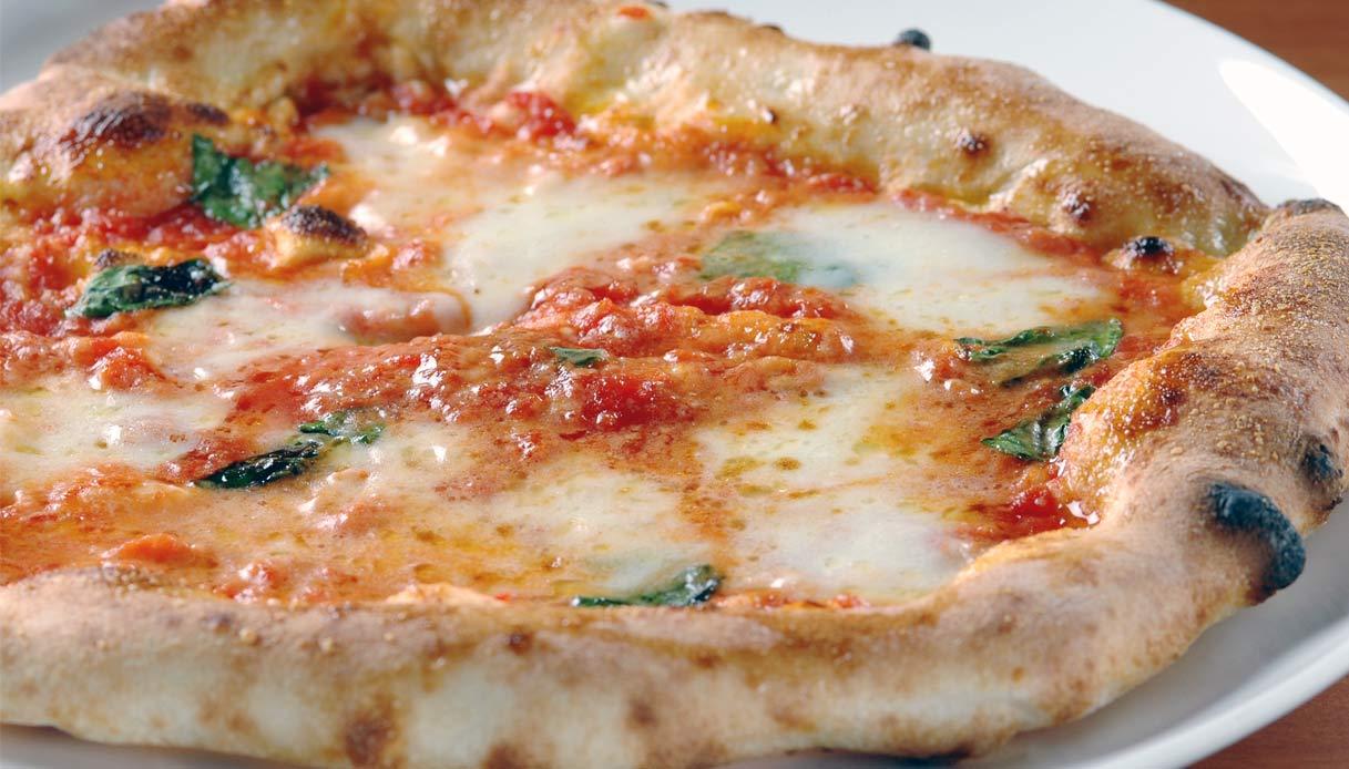 Ricetta X Una Buona Pizza.Ricetta Pizza Margherita Le Ricette Di Buonissimo