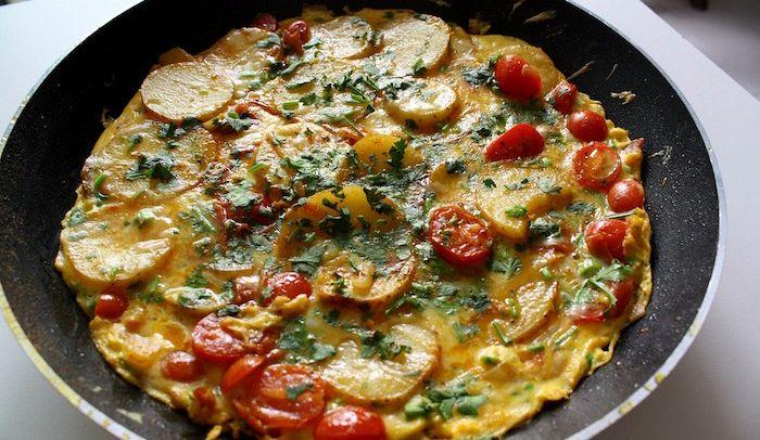 Ricetta Tortillas Patate E Cipolla.Ricetta Tortilla Piccante Di Patate E Cipolla Le Ricette Di Buonissimo