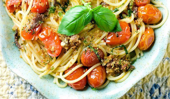 Trenette con branzino e olive
