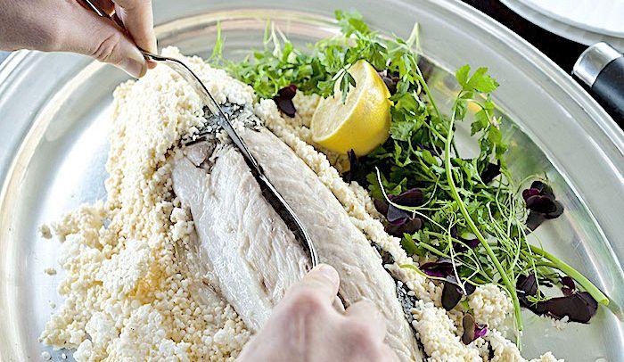Ricette Pesce Orata Al Forno Sotto Sale.Ricetta Orata In Crosta Di Sale Le Ricette Di Buonissimo