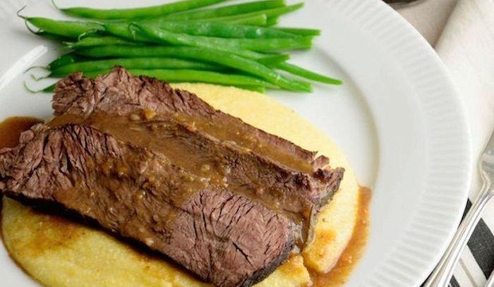 Polenta con carne alla piemontese